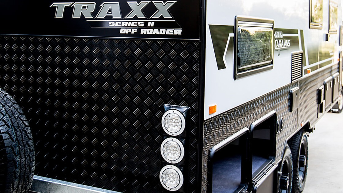 18f6-traxx-ii-family-offroad-external-photo-9