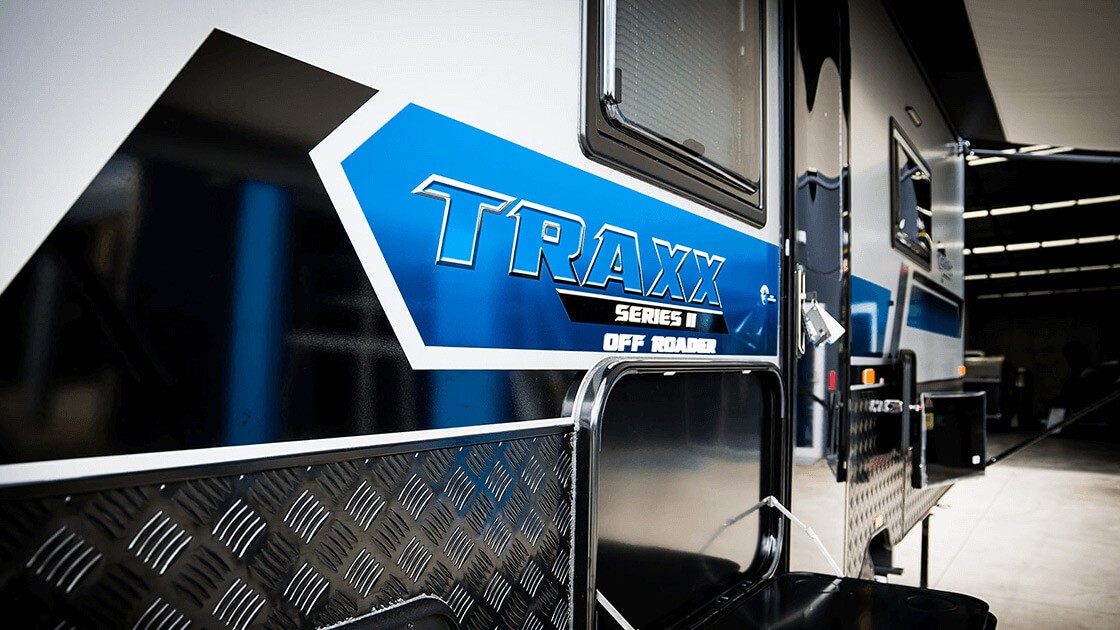17ft-6in-traxx-series-two-off-roader-centre-door-external-photo-7