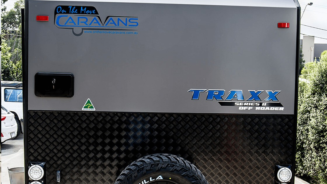 17ft-6in-traxx-series-two-off-roader-centre-door-external-photo-9
